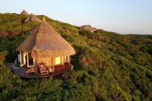 Luxurious-bungalow-into-the-wild-Mozambique